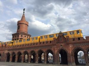 Berliner Luft. Brücke.