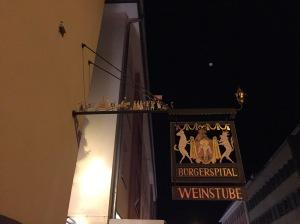 Aushängeschild: Gleich ums Eck zu Gast in Würzburgs bester privater Weinstube!